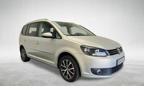 adcar-VW Touran Comfortline 2.0 TDI